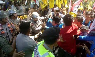 Demo Tolak UU MD3 di Jombang Sempat Adu Fisik